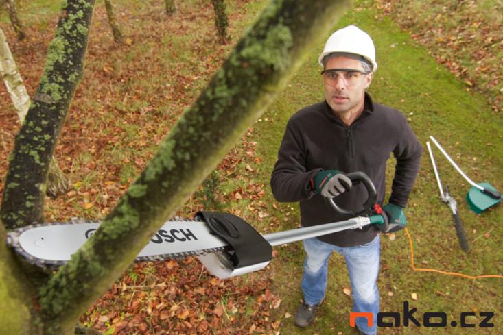 BOSCH AMW 10 RT multifunkční zahradní nářadí + sekací nástavec 06008A3300