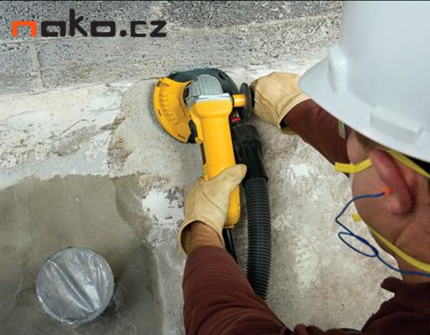 DeWALT DWE4217KT úhlová bruska 125mm 1200W + set na broušení betonu