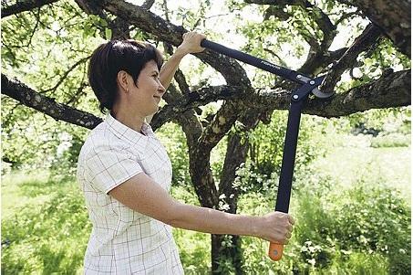 FISKARS 112290 nůžky dvouruční na silné větve